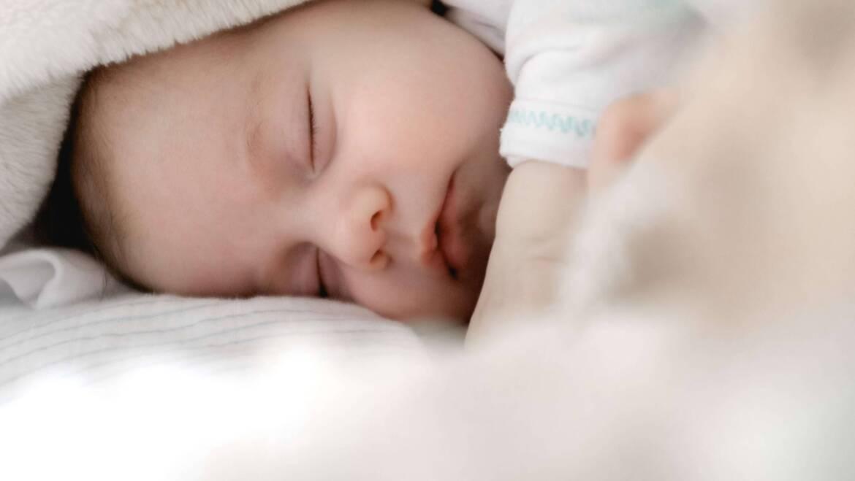 Jak przygotować łóżeczko dla noworodka?