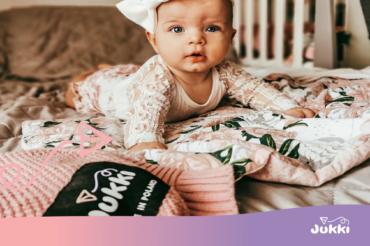 Bezpieczne noszenie noworodków – użyj kokonu